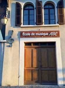 Entrée de l'école de musique ABC (Archamps - Bossey - Collonges)